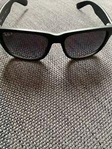 Ray Ban Justin Sonnenbrille polraisierend, mattiertes Gestell - Schwarz (RB4165