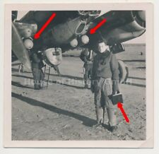 121083, Foto: Bomber Junkers JU-88, mit angehängten Bomben, Behältern, TOP