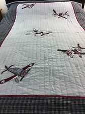 VINTAGE STYLE APPLIQUE AIRPLANES Quilt BY PIER 1 KIDS