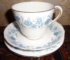 Muy Bonita Colclough Braganza trío Azul Floral Flores Taza de desayuno