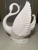 Vintage Mid-Century MADDUX OF CALIFORNIA #828 Ceramic Pottery White Swan TV-Lamp