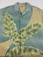 Tommy Bahama Shirt Mens XL  Short Sleeve Button Front Wooden Buttons Tropical
