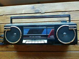 Toshiba RT-8016 Vintage Boombox Radio.   See description.