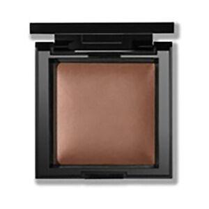 bareMinerals INVISIBLE BRONZE Bronzer - Color: Dark to Deep - Boxed