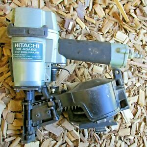 HITACHI NV 45AB2 COIL ROOFING NAILER AIR TOOL ~ VERY LIGHT USE ! ~ HIGH QUALITY