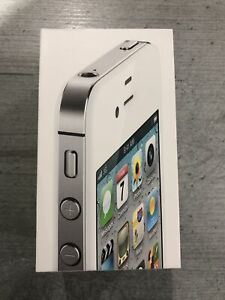 Apple iPhone 4s - 32GB - White (Unlocked) A1387