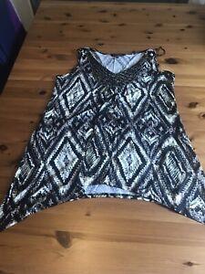 David Emanuel Size 18 Black Beige V Neck Sequin Trim Tunic Vest Top Sleeveless