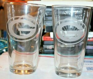 Set of 2 Green Bay Packers Shell Gas Station Pint Beer Beverage Glass Glasses