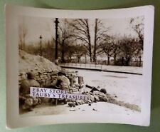 WW2 Photo US SOLDIERS STREET FIGHT GUN SHELTER World War Two German Town USA Men