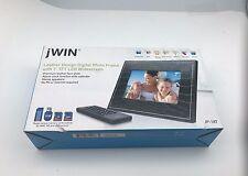 jWIN JP147 7-Inch LCD Digital Picture Frame (black)