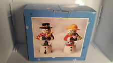 VINTAGE SNOW GLOBE SNOW MAN SNOW WOMAN SALT & PEPPER SHAKERS WITH BOX