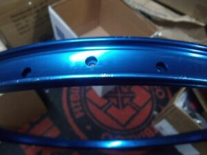 "SE RACING BIKES 36H---26""  BLUE BICYCLE RIM--HAS KNICKS"