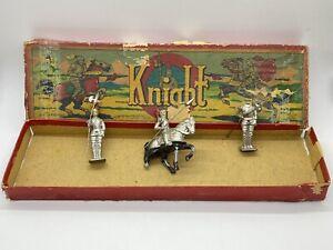 Vintage Painted Metal Medieval Knights Toy Soldiers Made in Occupied Japan b2