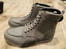 Guess Man's Boots Gray Size 9