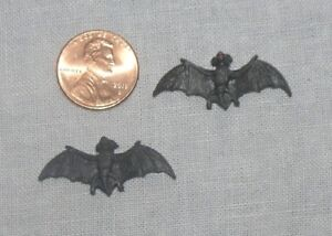 Pair of BATS HALLOWEEN DOLLHOUSE MINIATURES 1:12 SCALE