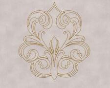 Gemusterte Wandpaneeles mit geometrischem Muster