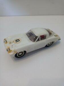 ELDON 1964 White Chevrolet Corvette Stingray - 1/32 #1093 – RESTO
