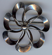 NE FROM DENMARK STERLING SILVER DIMENSIONAL FLOWER PIN BROOCH