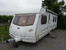 Lunar Lexon 640 twin axle with Island Bed