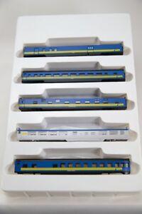 N Smooth Side 4000 Series 5 Car Set– VIA Rail (Blue/Yellow) (1-004022)