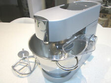KENWOOD CHEF Mixer KM001/2,1000 watts, Late model in spotless condition.