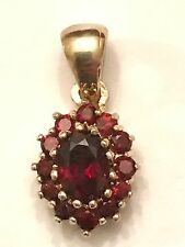 14k Yellow Gold Oval Round Garnet Cluster Pendant 2.5 Grams