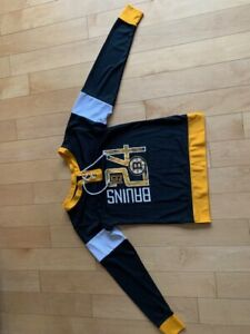 Women's Sweatshirt - Boston Bruins Lace-Up Pullover - Large (no tags)