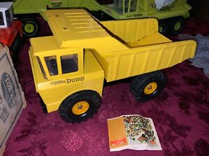 Vintage 1970s Mighty Tonka Dump Truck with box and look book