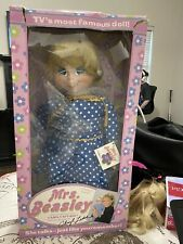 2000 Mattel Mrs. Beasley Doll Talks with Apron Dress, Glasses, Tag, All Hair!
