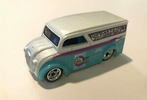 HOT WHEELS LARRY'S GARAGE MIDNIGHT AUTO PARTS DAIRY DELIVERY LOOSE