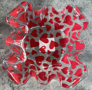 Valentines Day Heart 7 inch Clear Fluted Plastic Bowl Valentine Decorations