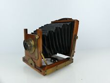 VINTAGE SMALL 1/4 PLATE WOOD & BRASS CAMERA WITH DIAL STOP BRASS LENS