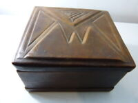 boite recouverte de cuir  (pie13)