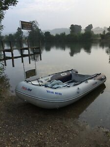 HonWave inflatable T35-AE2 with Honda 5 hp outboard - lightly used