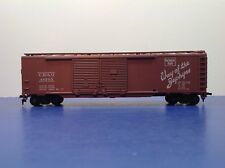 "HO Scale ""Burlington Route"" CB&Q 48203 50 Foot Freight Train Box Car / Athearn"