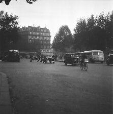 PARIS c. 1947 - Autos Place de la République - Négatif 6 x 6 - N6 P89