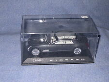 R650 NOREV CADILLAC SIXTEEN NOIRE MADE IN CHINA ECH 1/43 TBE EN BOITE
