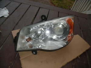 08 - 16 CHRYSLER TOWN AND COUNTRY DRIVER HID XENON HEADLIGHT