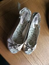 Ladies Marks And Spencers Gold Sandals Size 6.5