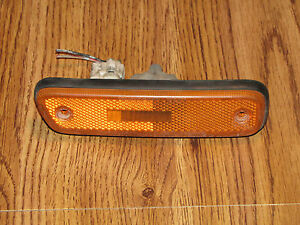 99-05 SUZUKI GRAND VITARA FRONT SIDE MARKER LIGHT RH OEM PASSENGER