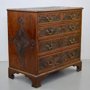 18th CENTURY GEORGE III OAK CHEST OF DRAWERS WITH MOULDED EDGE