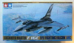 TAMIYA 1/48 AIRCRAFT F-16C (BLACK 25/32)