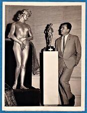 vintage photo golden nude model girl & art sculptor Sepi Dobronyi Akt foto 1957