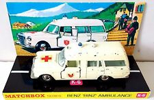Lesney MATCHBOX Diecast KING SIZE K-6 BENZ BINZ AMBULANCE & Custom Box Display y