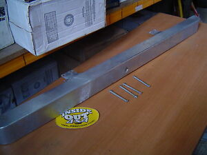 SERIES 2/3 LAND ROVER FRONT GALVANISED BUMPER WITH BOLTS   564704