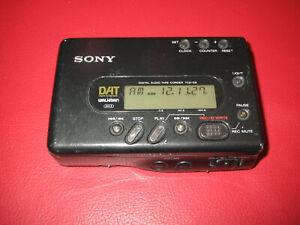 Sony   Dat  Digital Audio Tape Corder   /  Walkman TCD-D8
