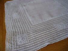 SUPERBE Appenzell travail main broderie et tire fil vintage mouchoir