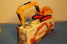 Dinky Toys No 984 is the model of the Atlas AB 1702 Tracked excavator VNMB