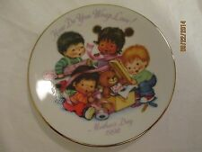 """1992 Avon Porcelain Mothers Day Collector Plate """"How Do You Wrap Love!"""" 5 1/8"""""""