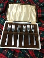 Good Set 6 Vintage Silver Plated winkle forks Boxed